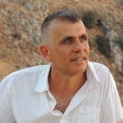 Dr. Daniel Naveh